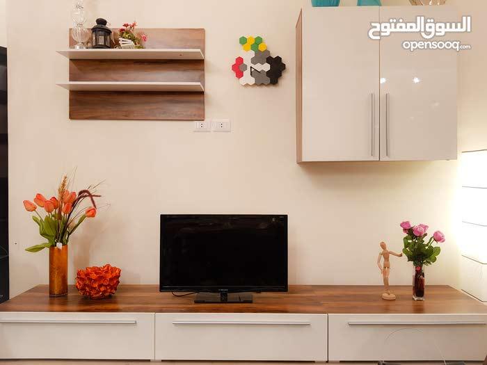 مداخل متعددة الأستعمالات صناعه ألمانيه منزلي/مكتبي.    مكتبةTV حجم كبير+صغير