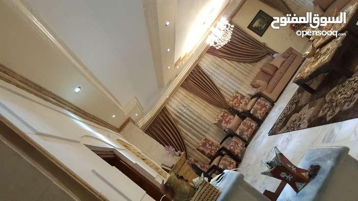 Villa consists of 5 Rooms and 3 Bathrooms in Irbid