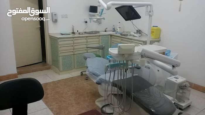 فرصة استثمارية .... للبيع عيادة اسنان قائمة بموقع مميز ودخل ممتاز