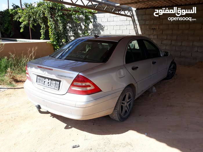 2003 Mercedes Benz in Tripoli