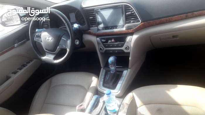 New condition Hyundai Elantra 2018 with 190,000 - 199,999 km mileage