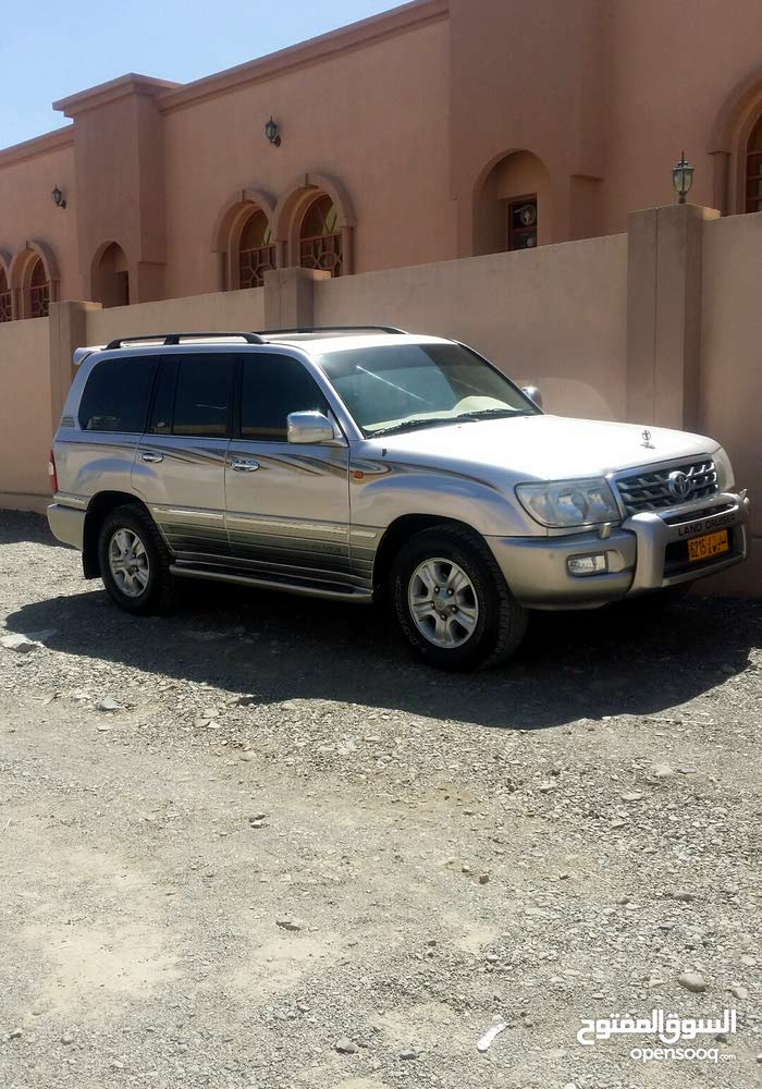 Used condition Toyota Land Cruiser 1999 with 130,000 - 139,999 km mileage