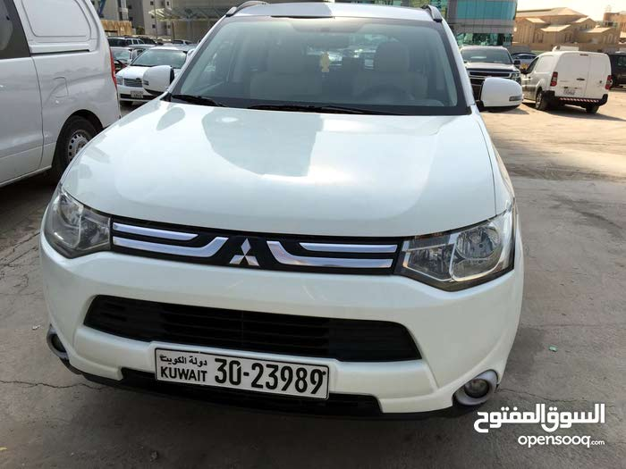 outlander 2014 neatly maintained car for sale