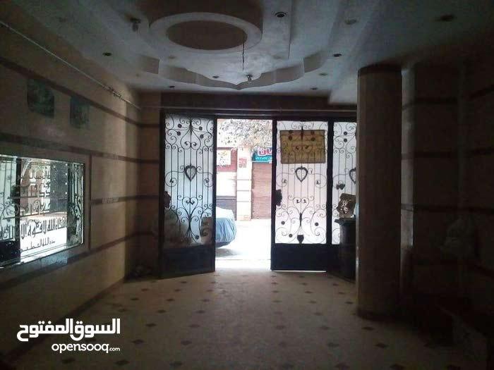 شقة 135م ناصية بعمارة ساكنة وتسهيلات للسداد