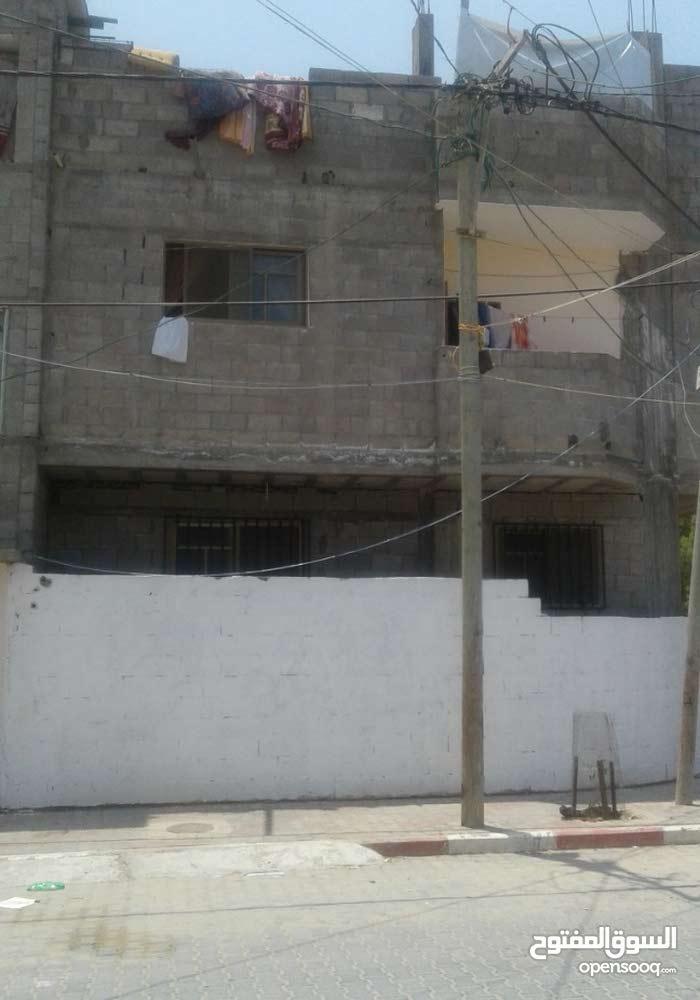 منزل من 3 طوابق غرب دير البلح
