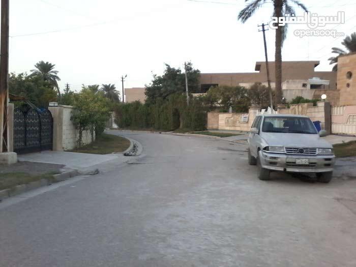 ارض سكنية قرب شارع الربيع -خلف جامع ملة حويش
