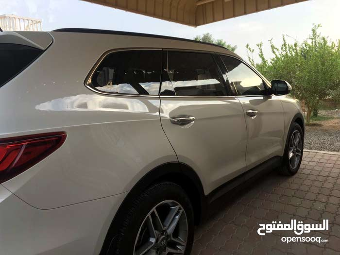km Hyundai Santa Fe 2017 for sale