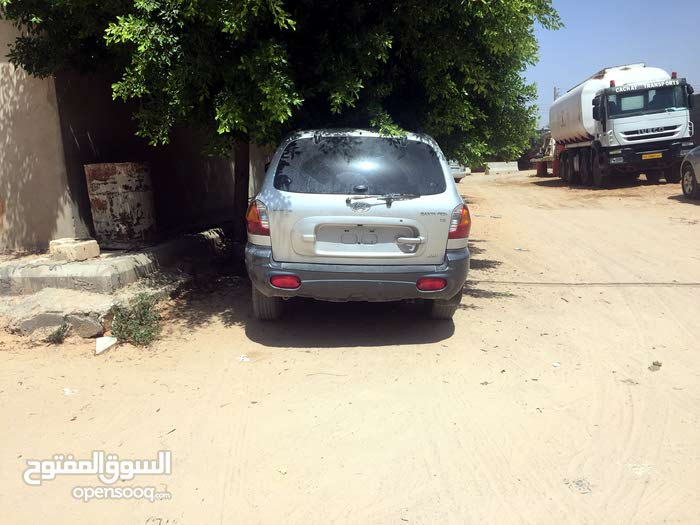 For sale Hyundai Santa Fe car in Tripoli