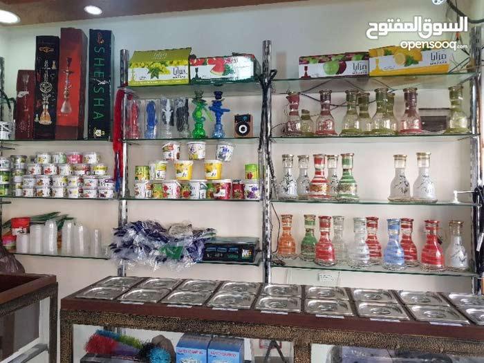 محل تجاري للبيع بالزرقاء بشارع السعاده