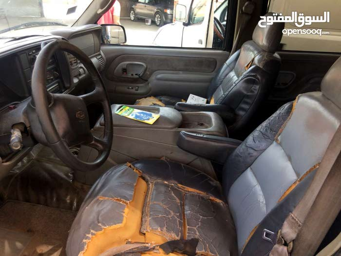 Chevrolet Tahoe car for sale 2000 in Jeddah city