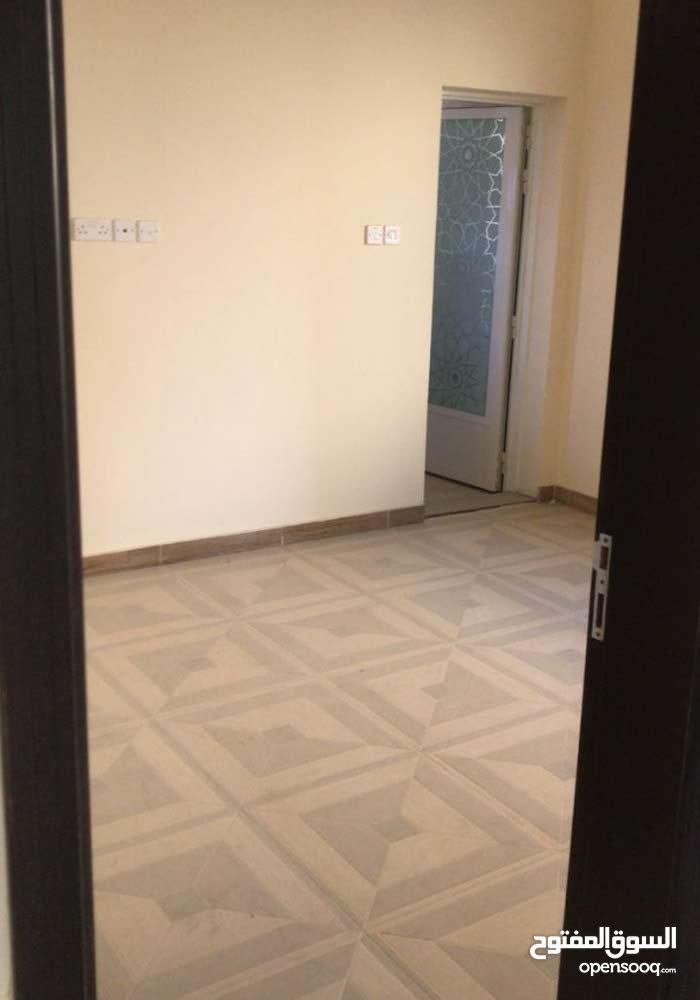 تملك فيلتك في عجمان منطقة المويهات3 والتملك حر ( جديدة مع كهرباء )