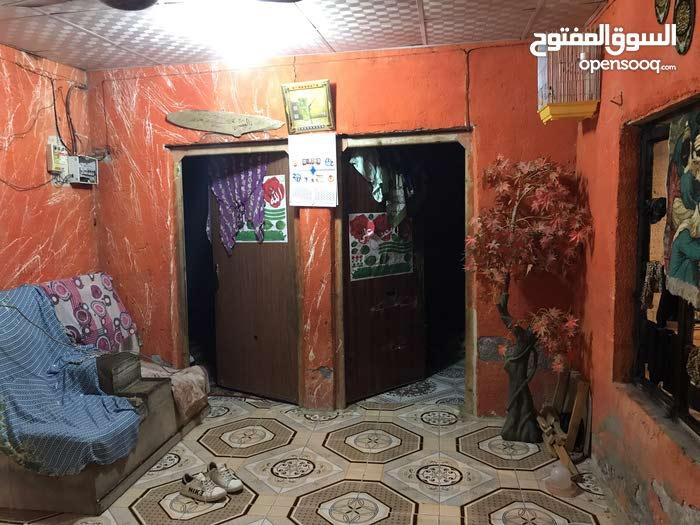 بيت تجاوز للبيع المساحه تقريبا 150متر بيت مرتب وتعبان عليه الله شاهد