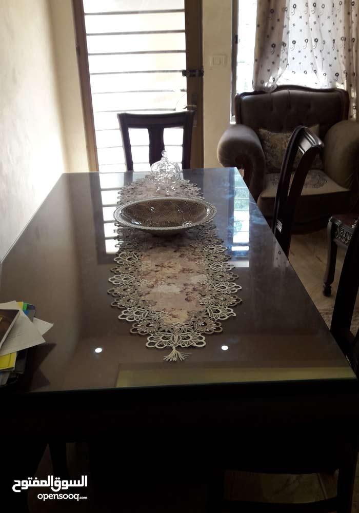 طاولة سفرة 8 كراسي +بوفيه +خزانة+ تخت مفرد للبيع