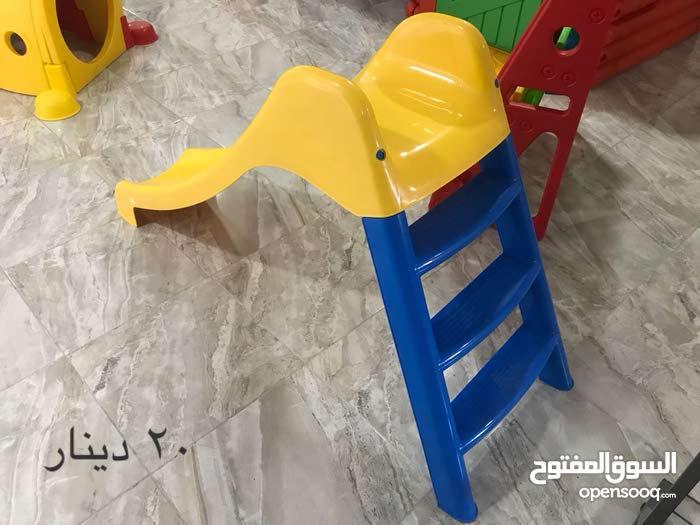 العاب وطاولات وكراسي وادرج للحضانات وغرف الاطفال