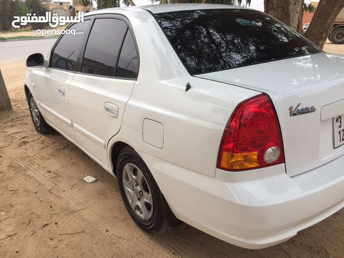 Hyundai Verna 2002 For sale - White color