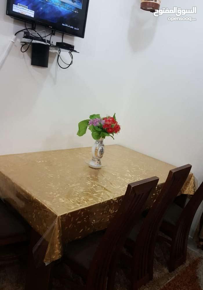 سفرة ( طاولة خشب أصلي ماليزي الصنع  مع 6  كراسي )