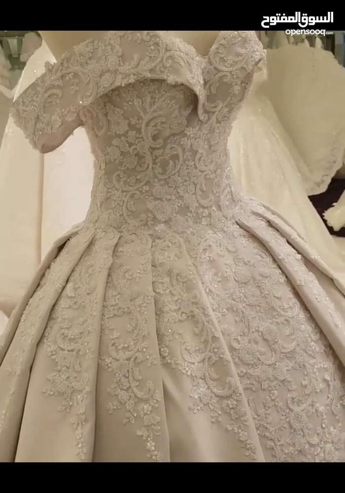 فستان زفاف فيكتوري للبيع او الايجار