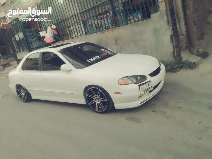 White Hyundai Avante 1998 for sale