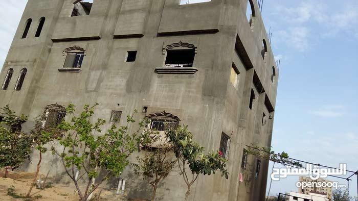 بيت طابقين 160 متر البناء بتلة قليبو بمنطقة بيت لاهيا