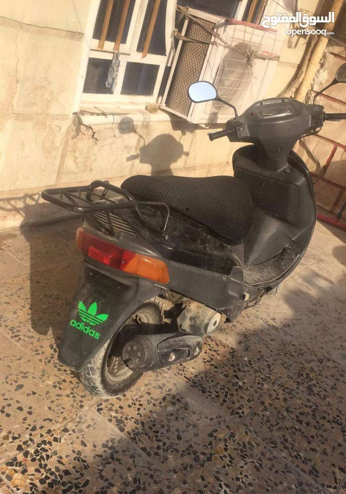 Used Suzuki motorbike up for sale in Baghdad