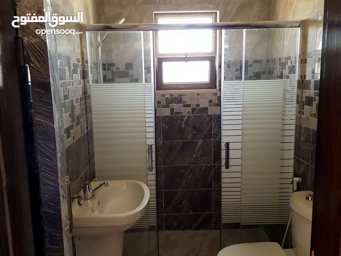 3 rooms  apartment for sale in Madaba city