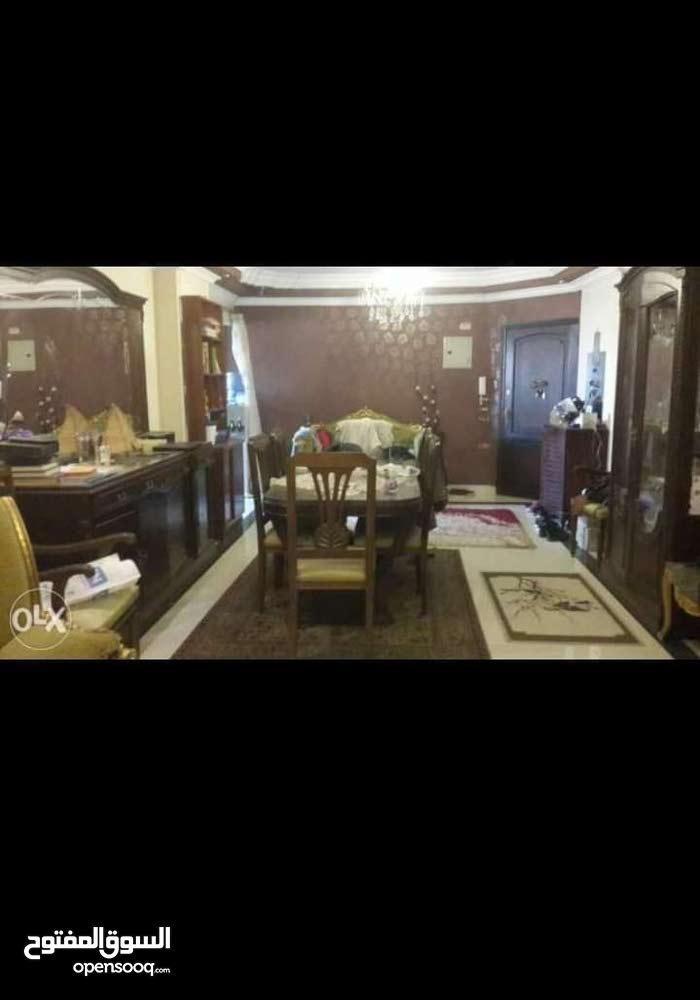 شقة دوبلكس فاخرة بمصر الجديدة