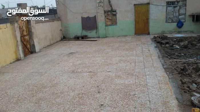 بيت للبيع  جاهز  كبير  يحتوي ع قرفتين ومطبخ  وصاله كبيره وديوانيه