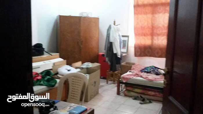Bed Share for Short Term QR 700 in Al Thumama for Bachelors