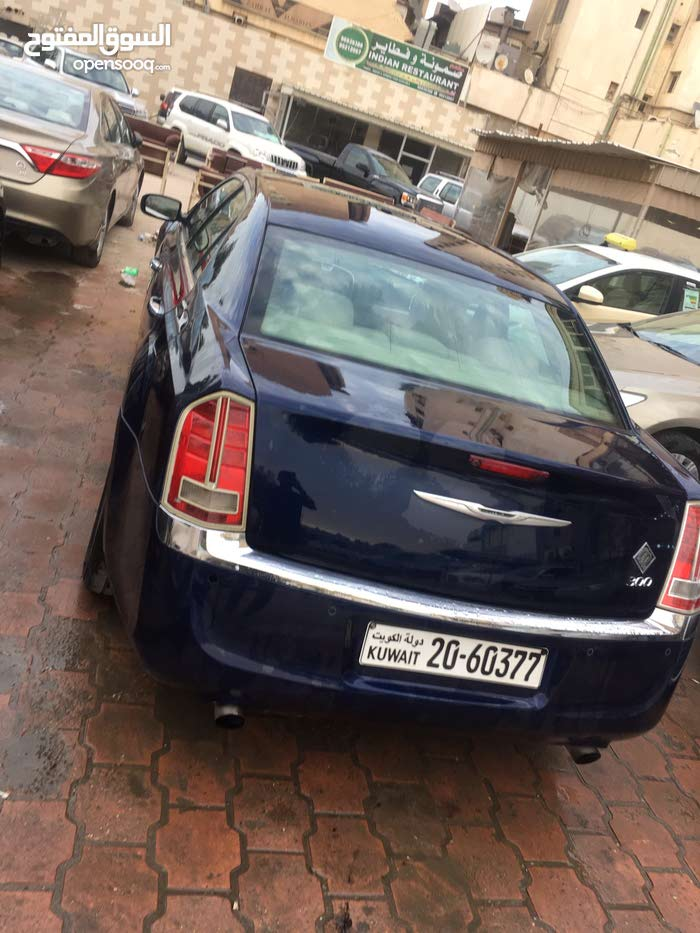 Best price! Chrysler 300C 2013 for sale