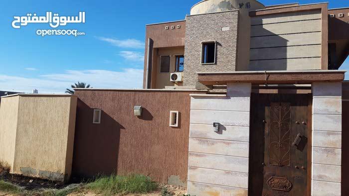 4 rooms More than 4 bathrooms Villa for sale in TripoliTajura
