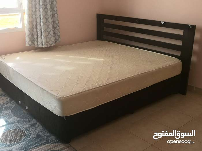 بيع اثاث صوفا حجم كبير سرير مع دوشق حجم كبير