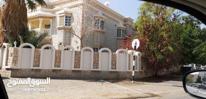 400 sqm  Villa for rent in Bosher