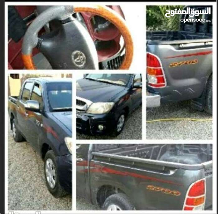 Toyota Hilux car for sale 2010 in Ibra city
