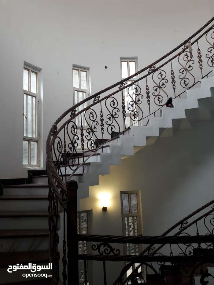 Villa for sale with More rooms - Basra city Khadra'a