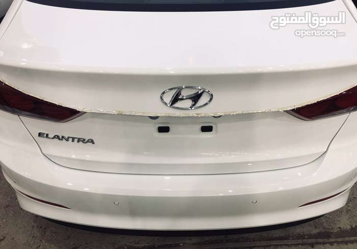 Hyundai Elantra made in 2018 for sale