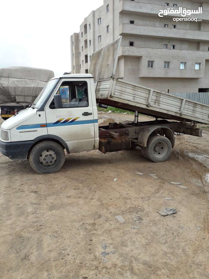 Manual SAIPA 1989 for rent - Tripoli
