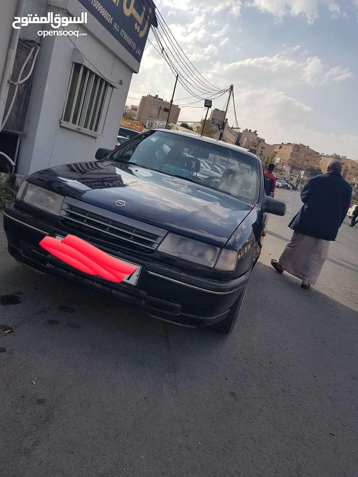Opel Vectra car for sale 1992 in Amman city