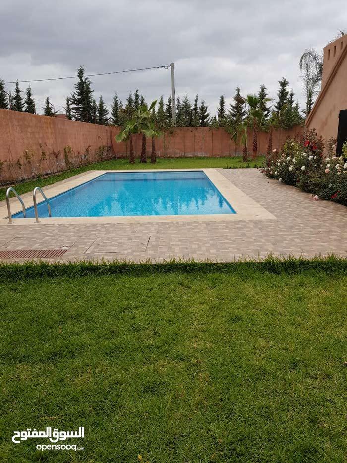 ڤيلا مفروشة رائعة بأروع موقع بأوريكة villa bien fini au meillure place