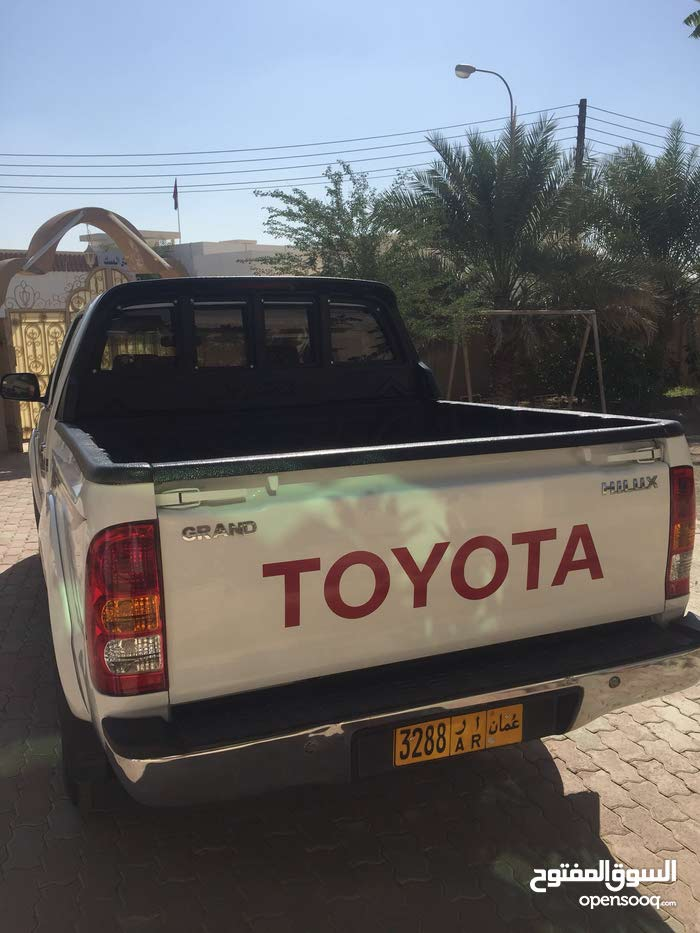 Used condition Toyota Hilux 2010 with  km mileage