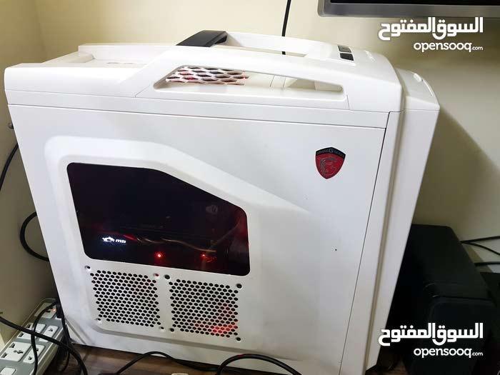 كمبيوتر ألعاب خارق للمحترفين