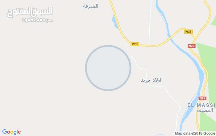 راني مزير نبيع في أرض فقط ب90 ألف للمتر المربع الواحد مساحتها 2100 متر مربع