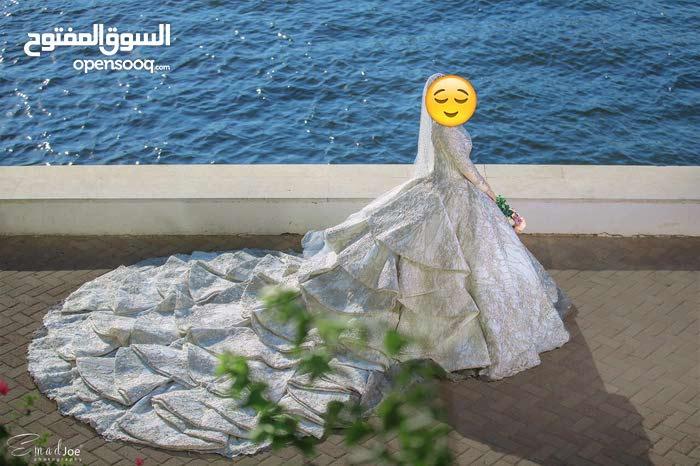 فستان زفاف مميز للبيع