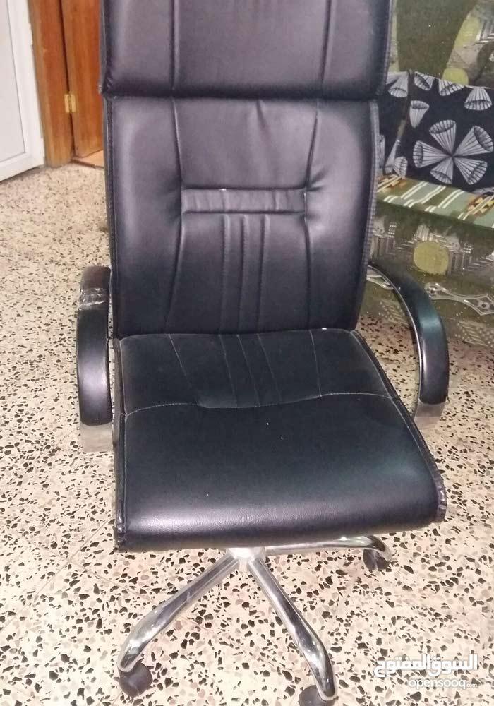 كرسي مكتب مستعمل 1 شهر للبيع