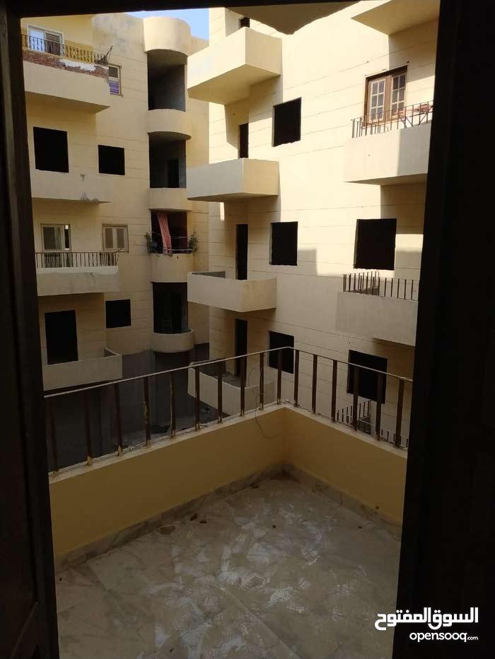 استلام فورى شقة 102 م في كمبوند بشارع الحجاز الرئيسي بالغردقة