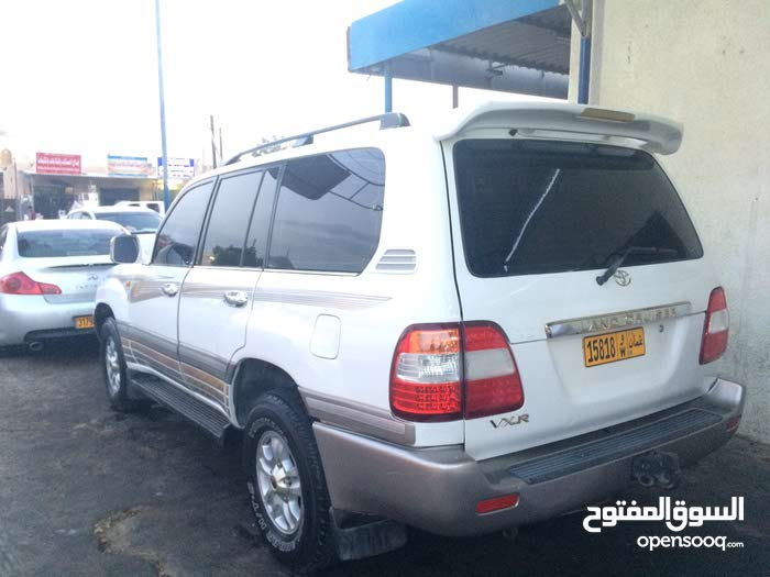 Used condition Toyota Land Cruiser 1999 with  km mileage
