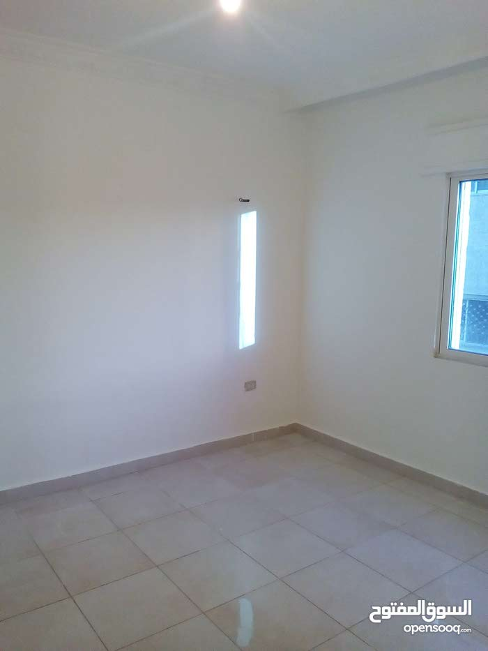 Marka apartment for sale with 5 rooms