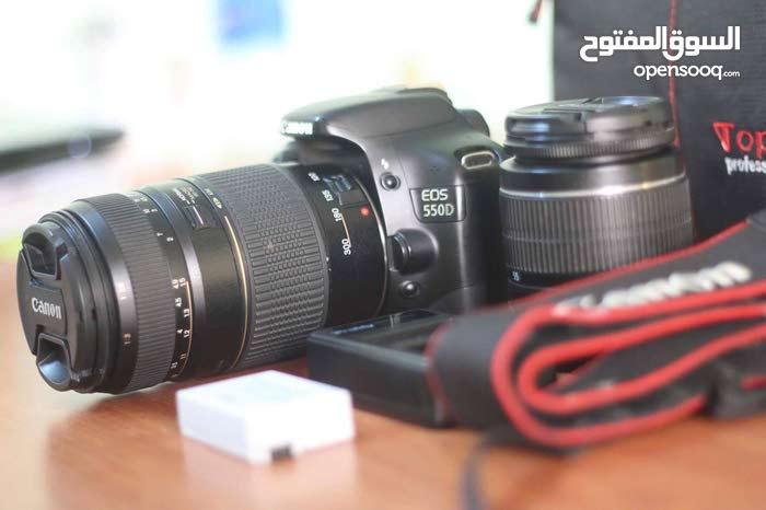 كاميرا كانون 550 دي مع عدستين بجميع الاغراض
