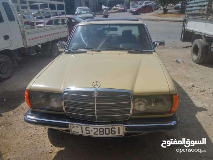 Available for sale! 0 km mileage Mercedes Benz E 200 1982