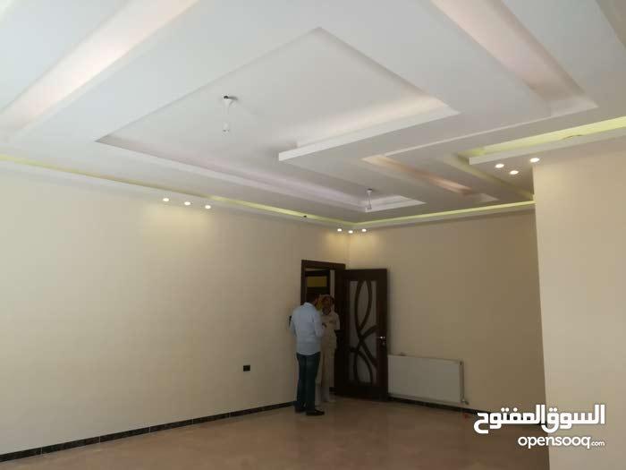 شقة رجم عميش ايفرست روف ضمن السكن الخاص 220م داخلي 230م خارجي 450م كوشان