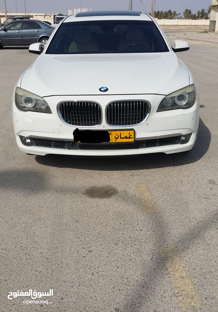 BMW 750 2009 For sale - White color